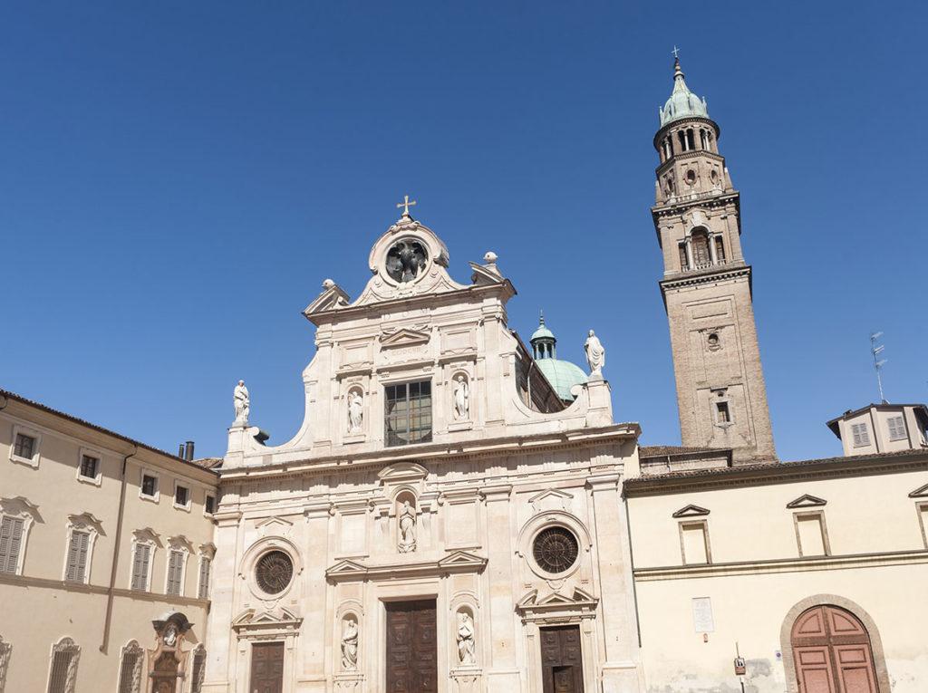 Chiese e complessi monastici a Parma